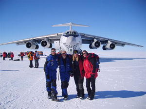 the-teachers-depart-antarctica-small.jpg